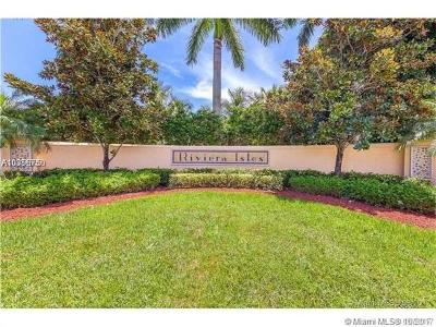Riviera, Riviera Isles I 167-28 B, Riviera Isles Ii 170-53 B, Riviera Isles - Venezia, Riviera Isles Iii, Riviera Isles Iii 172-36, Riviera Isles I, Riviera Isles, Capri, Riviera Isles Ravelo, Riviera Isles Iv 173-58 B Single Family Home For Sale: 5014 SW 155th Ave