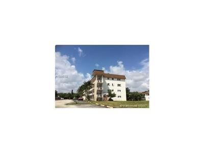 Palm Beach County Condo For Sale: 6289 Lear Dr #406
