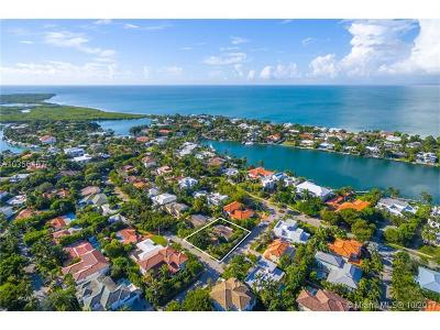 Key Biscayne Single Family Home For Sale: 700 Myrtlewood Ln