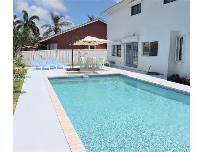 Dania Beach Single Family Home For Sale: 203 SE 8th St
