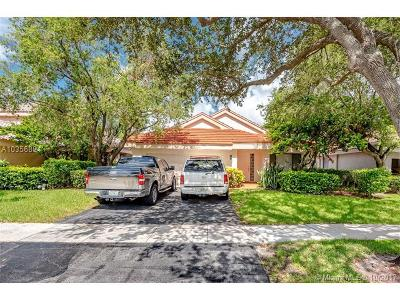 Plantation Single Family Home For Sale: 9741 NW 18th Ct