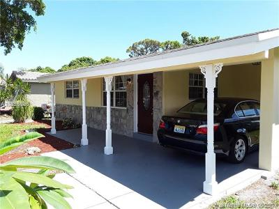 Oakland Park Single Family Home For Sale: 884 NE 34 St