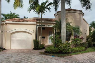 West Palm Beach Single Family Home For Sale: 7678 Jasmine Ct