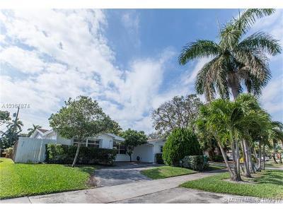 Miami Single Family Home For Sale: 1930 NE 208th Ter