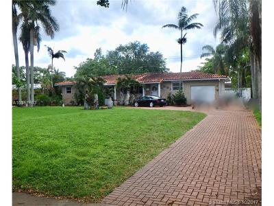 Miami Springs Single Family Home For Sale: 940 Hunting Lodge Dr