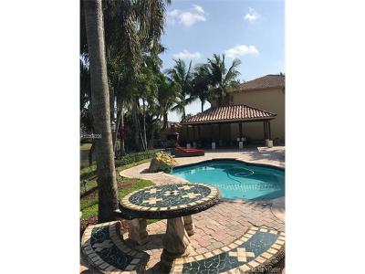 Doral Single Family Home For Sale: 11191 NW 72nd Ter