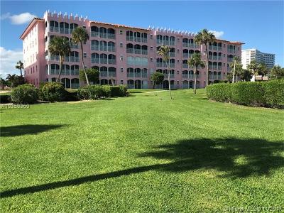 Boca Raton Condo For Sale: 1001 E Camino Real #3070
