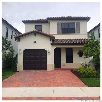 Hialeah Single Family Home For Sale: 3257 W 98th Place