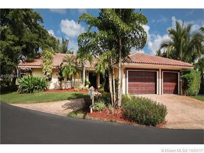 Plantation Single Family Home For Sale: 921 E Coco Plum Cir
