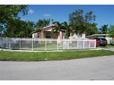 North Miami Single Family Home For Sale: 385 NW 138th St