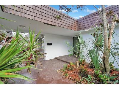 Tamarac Single Family Home For Sale: 5715 White Hickory Cir