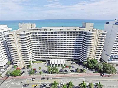 Oceanside Plaza, Oceanside Plaza Condo Condo For Sale: 5555 Collins Ave #8R