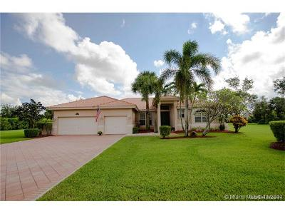 Cooper City Single Family Home For Sale: 5186 Waters Edge Way