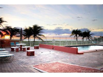 Pompano Beach Condo For Sale: 8 Briny Ave #206