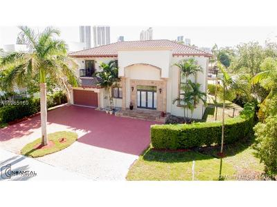 Sunny Isles Single Family Home For Sale: 18825 N Bay Rd