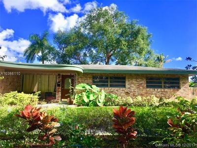 Plantation Single Family Home For Sale: 152 S Fig Tree Ln