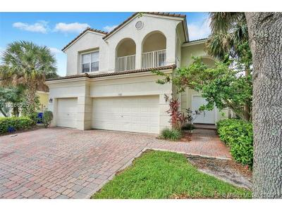 Pembroke Pines Single Family Home For Sale: 1968 NW 74th Ave