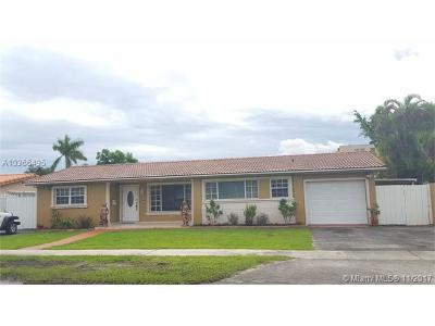 Hialeah Single Family Home For Sale: 1950 W 63rd St