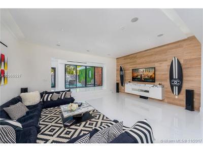 Miami Beach Single Family Home For Sale: 5750 La Gorce Dr