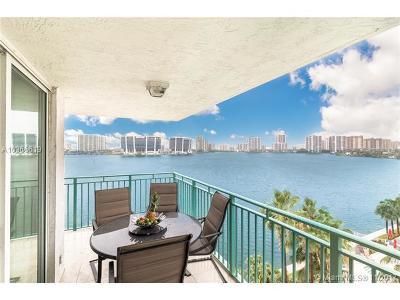 Sunny Isles Beach Single Family Home For Sale: 18000 N Bay Rd