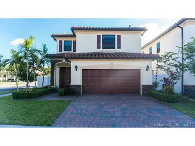 Hialeah Single Family Home For Sale: 3546 W 88th St
