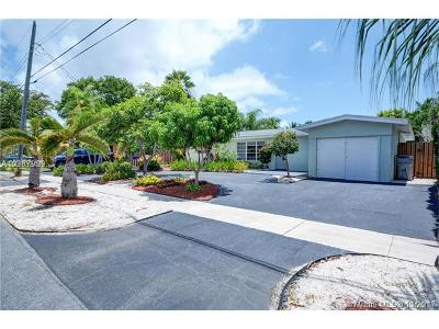 Pompano Beach Single Family Home For Sale: 140 SE 11th St