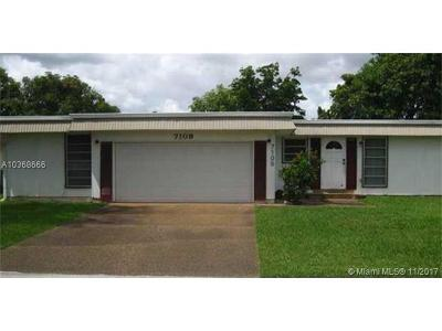 Tamarac Single Family Home For Sale: 7109 NW 67th St