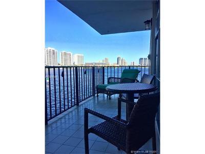 Sunny Isles Beach Condo For Sale: 301 174th St #419