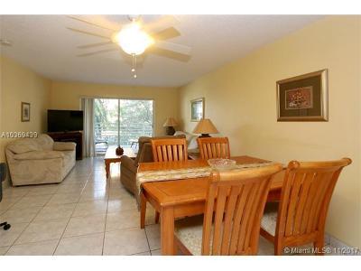 Sunny Isles Beach Condo For Sale: 17801 N Bay Rd #304