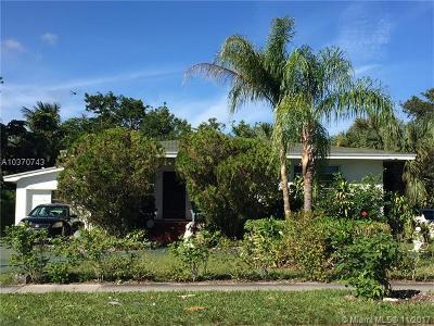 North Miami Single Family Home For Sale: 575 NE 129th St