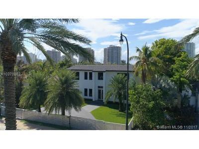 Golden Beach Single Family Home For Sale: 220 Ocean Blvd