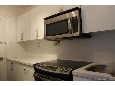 Condo For Sale: 1200 West Ave #305