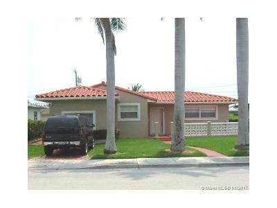 North Bay Village Single Family Home For Sale: 7505 Buccaneer Av