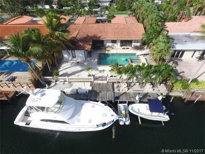 North Miami Single Family Home For Sale: 13025 Arch Creek Ter
