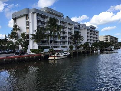 North Miami Condo For Sale: 1650 NE 115th St #502