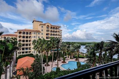 Coral Gables Condo For Sale: 13643 Deering Bay Dr #146