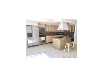 Hallandale Condo For Sale: 2218 NE 7th St #10