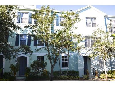 West Palm Beach Condo For Sale: 611 N St #611