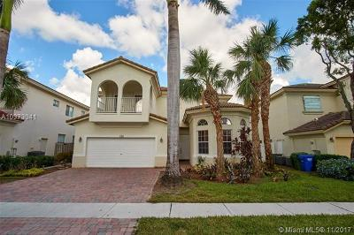 Pembroke Pines Single Family Home For Sale: 7321 NW 17th Ct