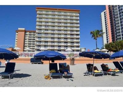 Sunny Isles Beach Condo For Sale: 19201 Collins Ave #544