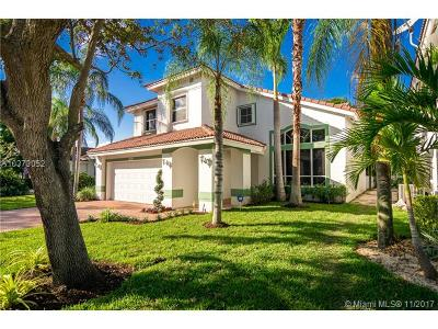 Pembroke Pines Single Family Home For Sale: 14951 S Bel Aire Dr S