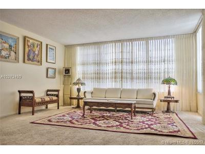 Miami Beach Condo For Sale: 4101 Pine Tree Dr #403