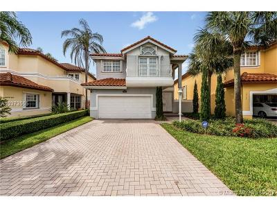 Doral Single Family Home For Sale: 10365 NW 56th Ter