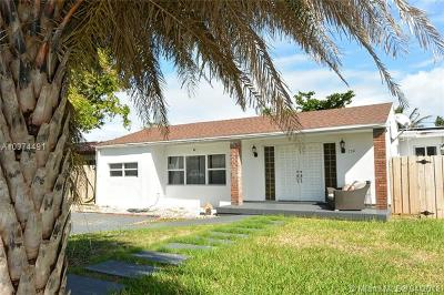 North Bay Village Single Family Home For Sale: 7541 Hispanola Ave