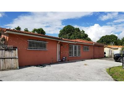 Hialeah Single Family Home For Sale: 7180 W 9 Ct