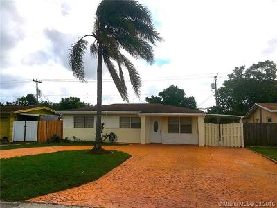 Miramar Single Family Home For Sale: 6536 SW 24th St