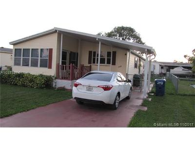 Miami Single Family Home For Sale: 19800 SW 180 Ave #298