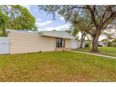 Miami Gardens Single Family Home For Sale: 18630 NW 11th Rd