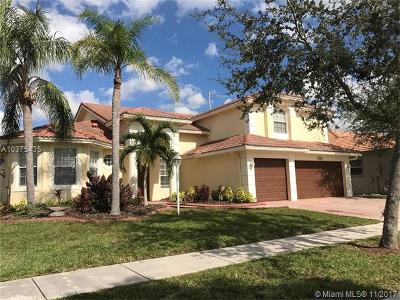 Pembroke Pines Single Family Home For Sale: 13985 NW 22nd Ct