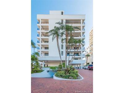 Miami Beach Condo For Sale: 5415 Collins #602